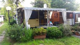 Casetta più roulotte camping 2 laghi