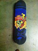 Skateboard griffato